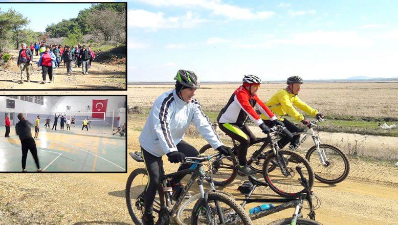 Bir grup Kösedere'de yürürken, diğer grup 97 km pedal çevirdi