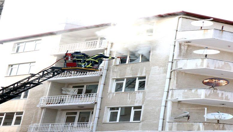 Ev, yangın sonucu kullanılamaz hale geldi