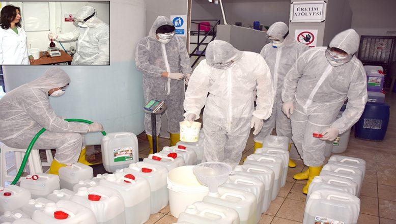 Lise öğrencileri, dezenfektan mesaisinde