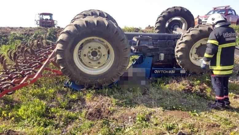 Devrilen traktörün altında kalan, çiftçi öldü