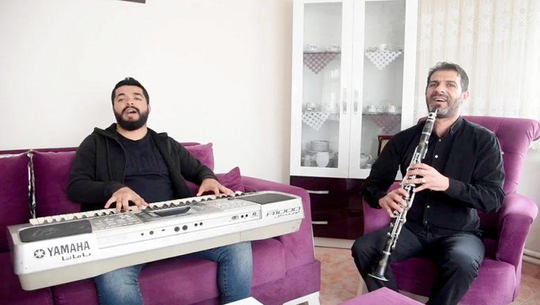 Roman müzisyenlerden evden çıkmayanlara moral şarkısı