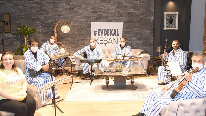 Pijama konseptli moral konseri
