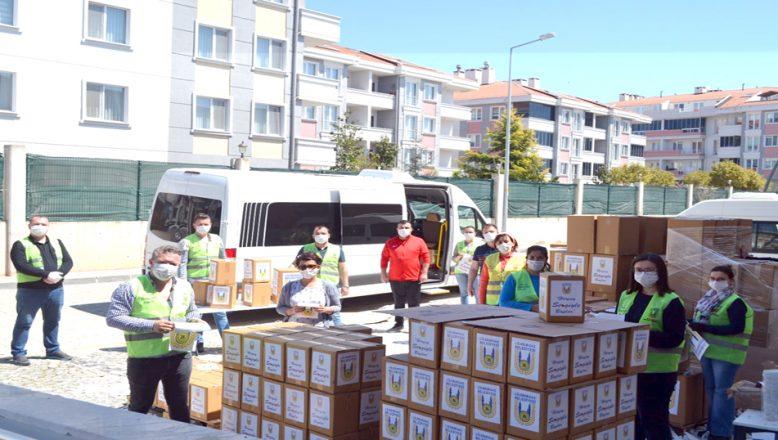 Esnaflara ve işçilere, yardım paketi dağıtıldı