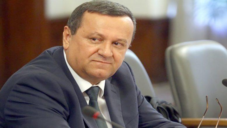 Milletvekili Dr. Hasan Ademov ve ailesi koronavirüsü yendi