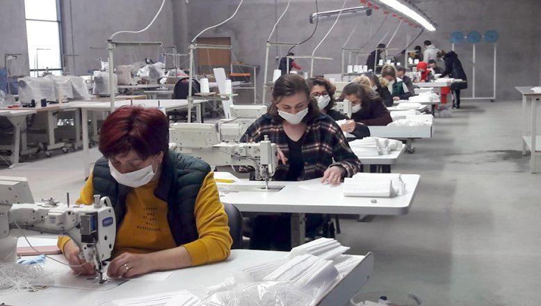 Vatandaşlara 295 bin 200 maske dağıtıldı