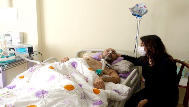 Yatağa bağımlı eşinin, sağlığına kavuşması için yardım bekliyor