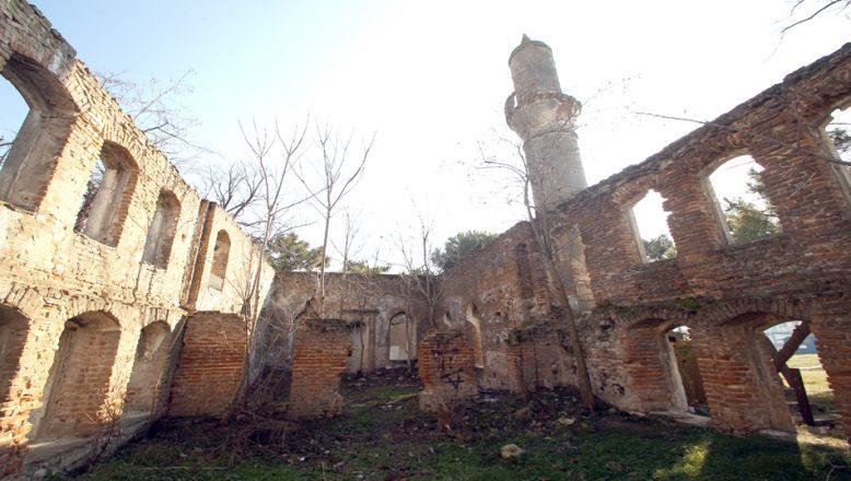 Tarihi camii, restore edilecek