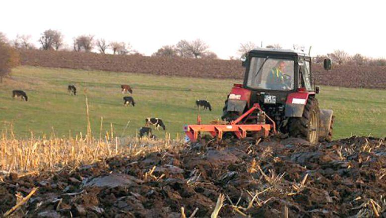 Bulgaristan'da çiftçilerin kontrol noktası geçişleri belge karşılığı olacak