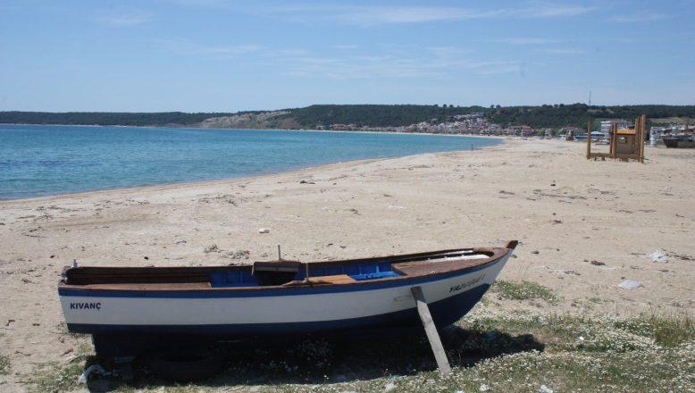 Her bayram cıvıl cıvıl olan Saros Körfezi sahilleri boş kaldı