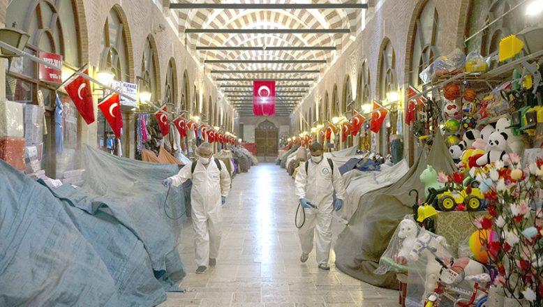 Tarihi çarşılar dezenfekte edildi