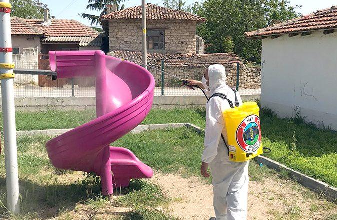 Süloğlu'nda çocuk parkları dezenfekte edildi