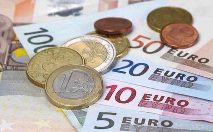 Kosova da, ortalama maaş 602 Avro
