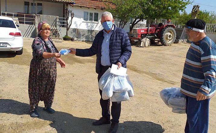 Köylerde maske dağıtımı devam ediyor