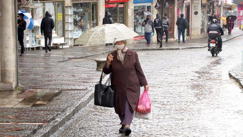 Yağmur etkisini sürdürüyor