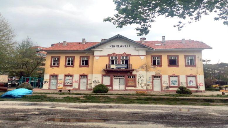 Tarihi gar binası, restore edilecek
