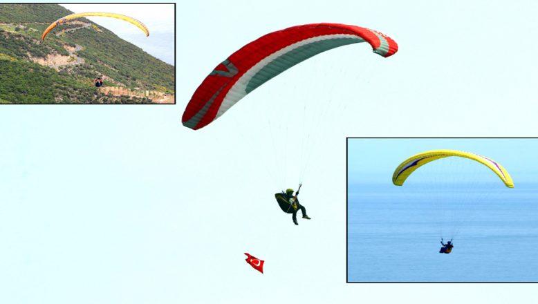 Yamaç paraşütleriyle gökyüzünde, Türk bayrakları açtılar