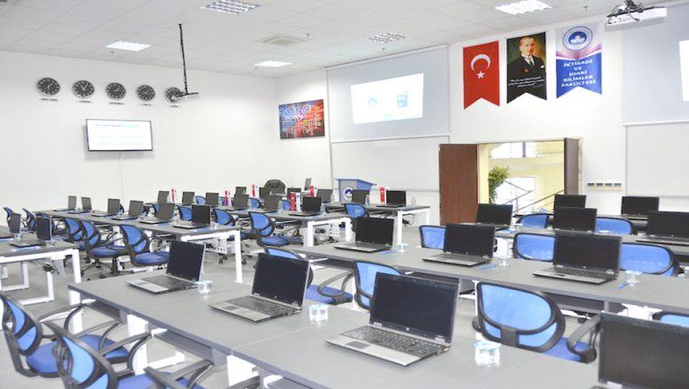 KLÜ, sınavlar için bilgisayar laboratuvarlarını kullanıma açıyor
