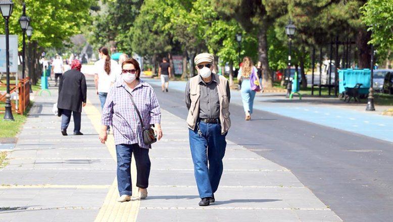 Trakya'da 65 yaş üstü vatandaşlar kısıtlamanın esnetilmesinden memnun