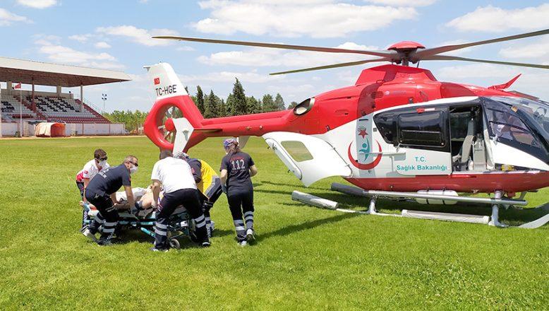 Ambulans helikopter, boğulma tehlikesi geçiren genç için havalandı