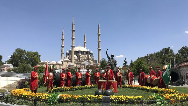 Mehteran, Selimiye Meydanı'nda konser verdi
