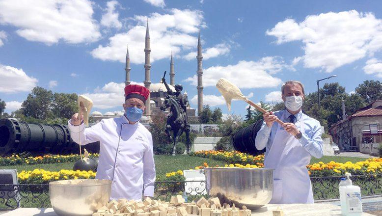 Esnaf, Ayasofya'da helva dağıtmak istiyor