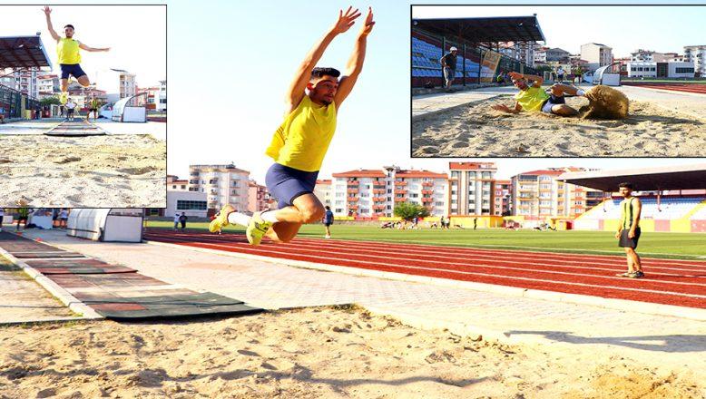 Üç Adım Atlama'da, Dünya Şampiyonluğu'nu hedefliyor