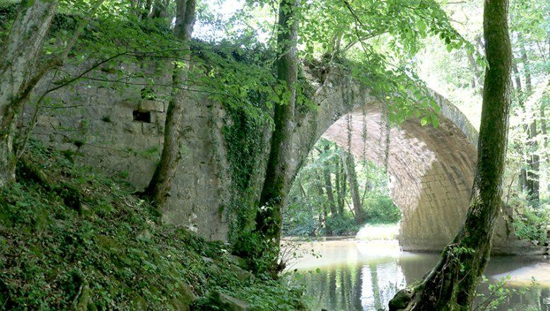 Ayakları farklı ülkelerde olan tarihi köprü turizme kazandırılacak