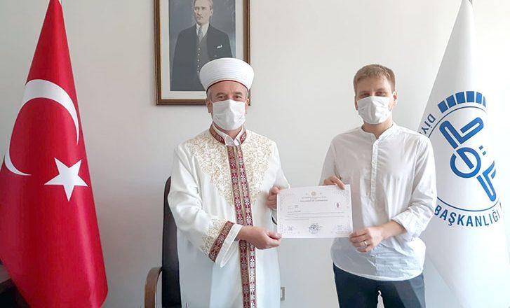 Ziyarete geldiği Keşan'da Müslüman oldu