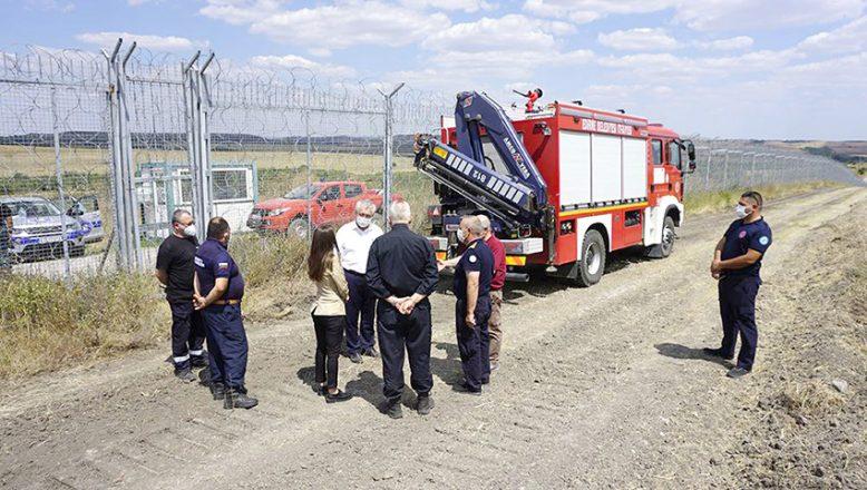 Sınırda yangınla ilgili üst düzey görüşme