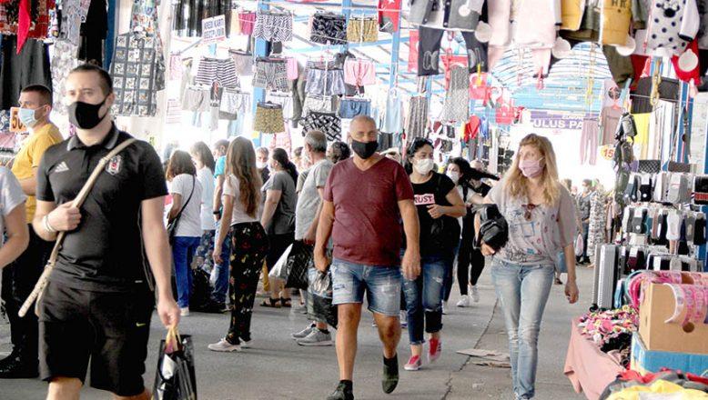 Bulgar turistler alışveriş için Edirne'yi tercih ediyor