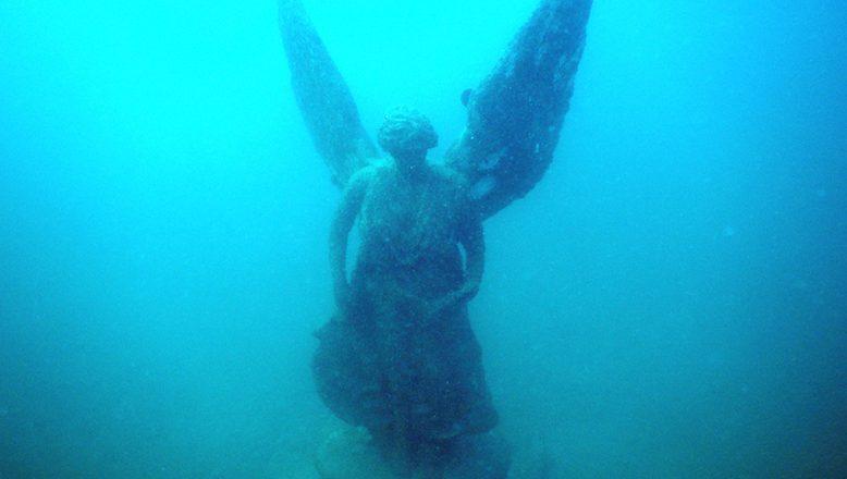 """Saros'daki """"su altı müzesi"""" dalgıçların ilgi odağı"""