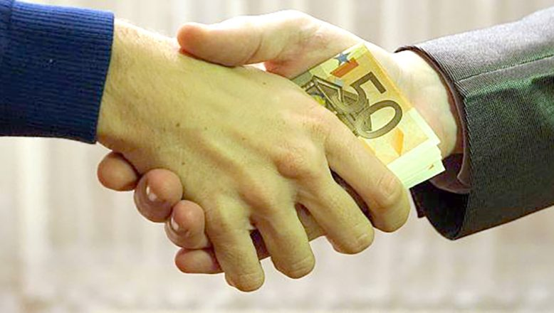"""""""Bulgaristan'da yolsuzluk yatırımları engelliyor"""""""