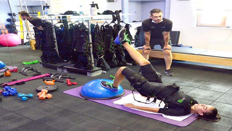 Özel kıyafetle yapılan pasif jimnastik seanslarına ilgi arttı