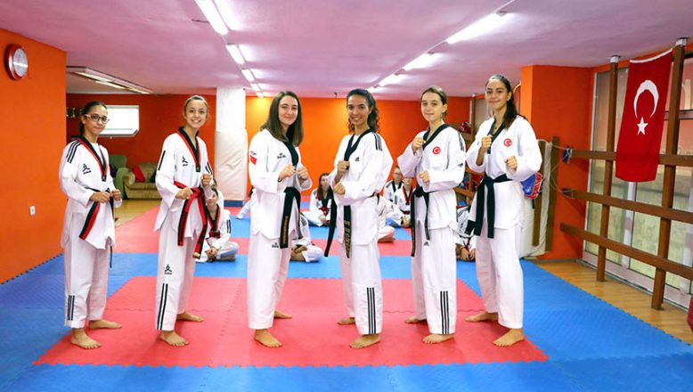 Milli Taekwondocular geleceğe umutla bakıyor