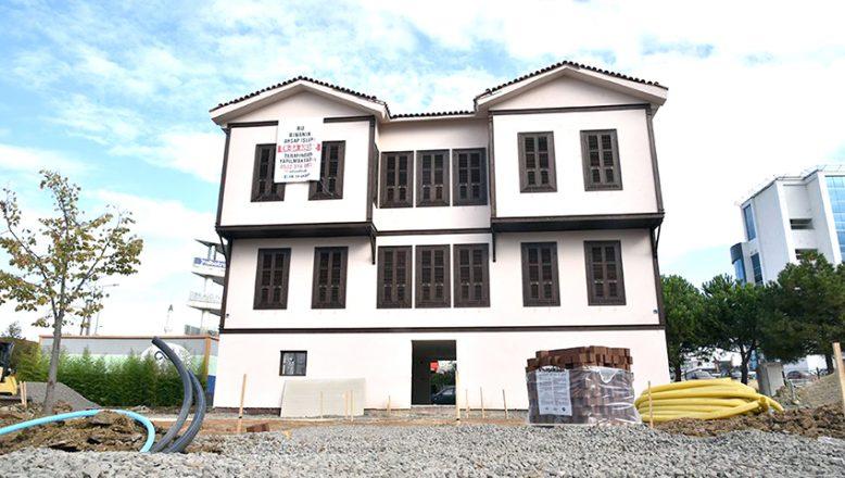 Atatürk Evi'nde çalışmalar devam ediyor