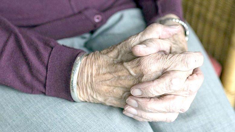 """""""Osteoporoz, 50 yaş üzeri için risk taşıyor"""""""