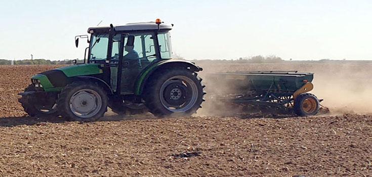 Çiftçi tarlaya geç girdi