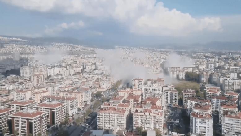 Depremden inanılmaz görüntüler