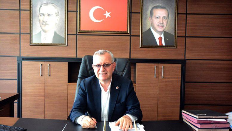 """""""Cumhuriyet, güçlü Türkiye kurma azminin gurur verici eseridir"""""""