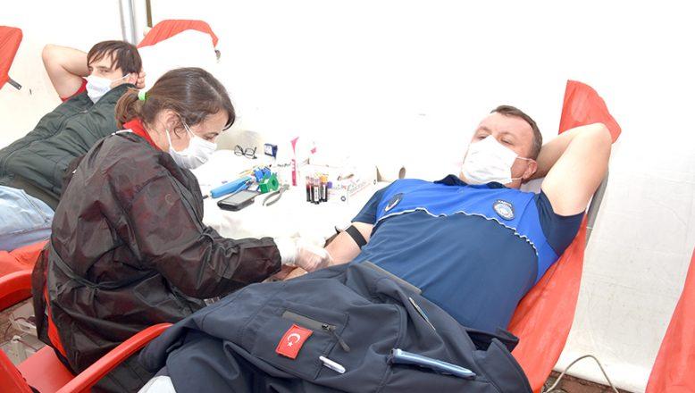 Hayrabolu Belediyesi'nden, kan bağışına destek