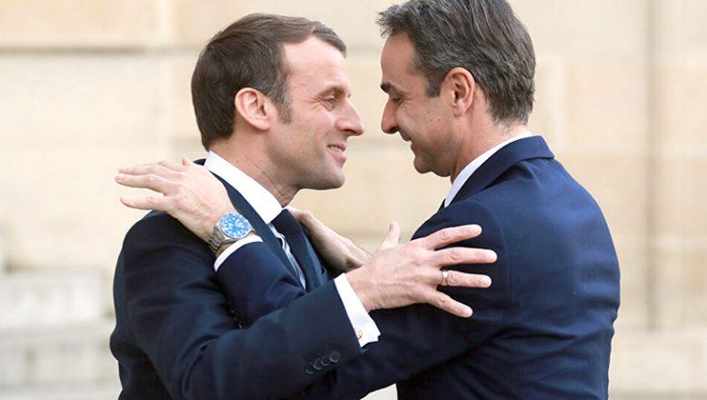Miçotakis'ten, İslam Peygamberi'ne saldıran Macron'a destek