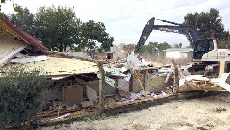 Kaçak yapı yerle bir edildi!
