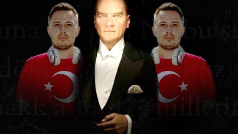 Atatürk'ün sesini kullanarak, anlamlı bir projeye imza attı
