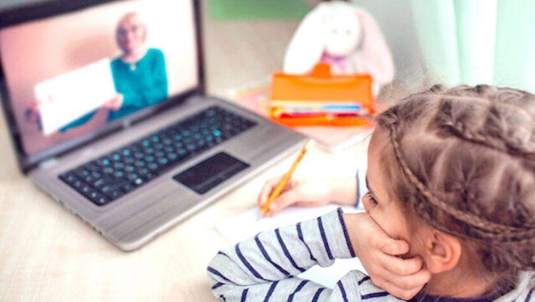 Okulların, yerel düzeyde online eğitime geçiş yapması düşünülüyor