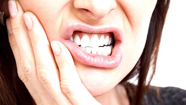 """""""Diş Eti Enfeksiyonları, bağışıklığı olumsuz etkiliyor"""""""