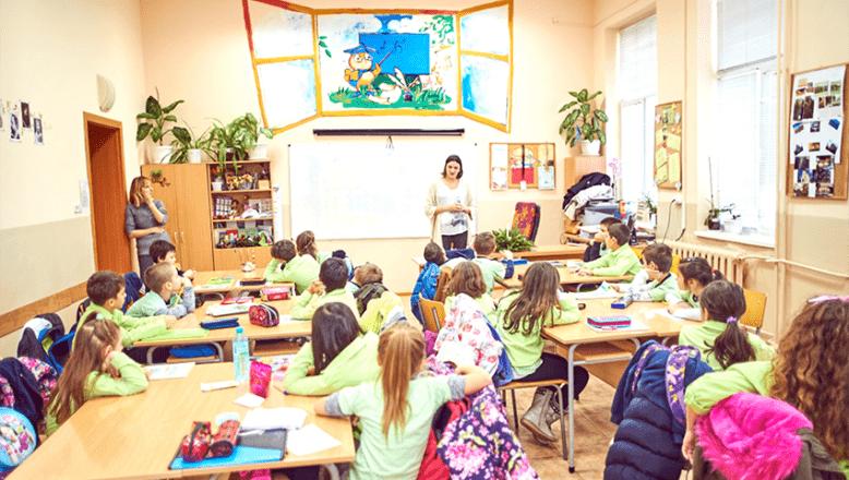 """""""Okullar dönüşümlü olarak, uzaktan ve yüz yüze eğitime devam etmeli"""""""