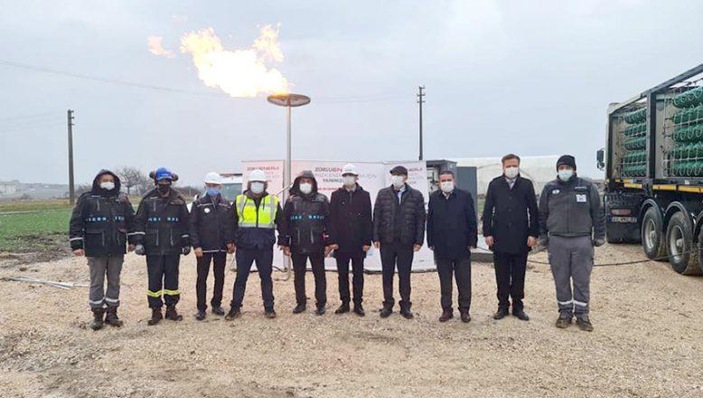 Lalapaşa'da doğal gaz meşalesi yandı