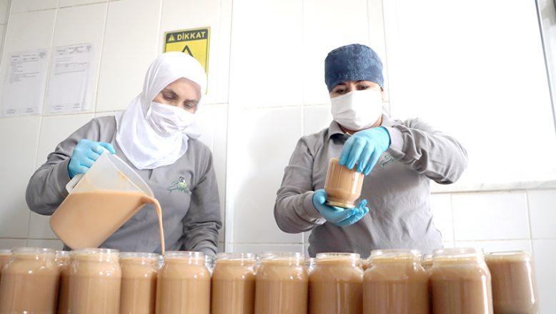 30 çalışanıyla, 56 çeşit gıda üretiyor
