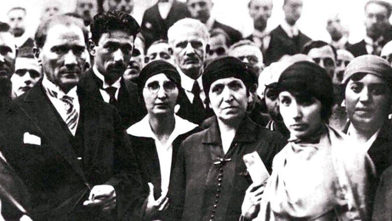 """""""Cumhuriyet Tarihi boyunca 20 il, hiç kadın milletvekili çıkaramadı"""""""
