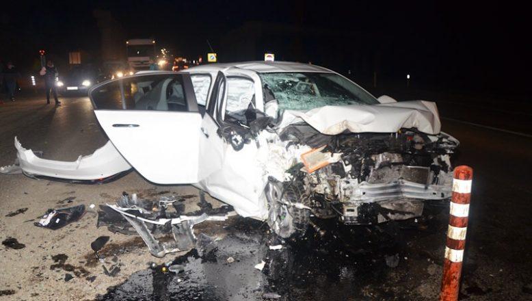 TIR ile otomobil çarpıştı; 1 ölü